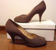 Gorgeous Vintage Lotus Corde Shoes