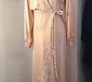 Lovely Vintage Robe